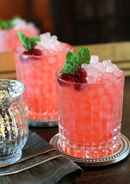 Holiday Cocktail: Cranberry Ginger Fizz!