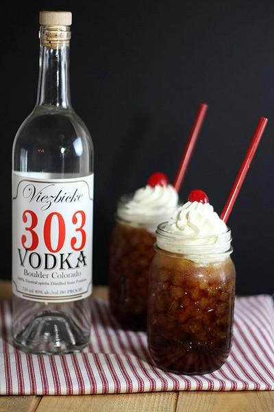 Vootbeer! Rootbeer, vodka & whipped cream