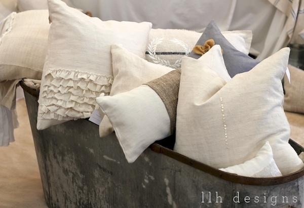 Pillows / throw pillows / decorative pillows / by pillowlink