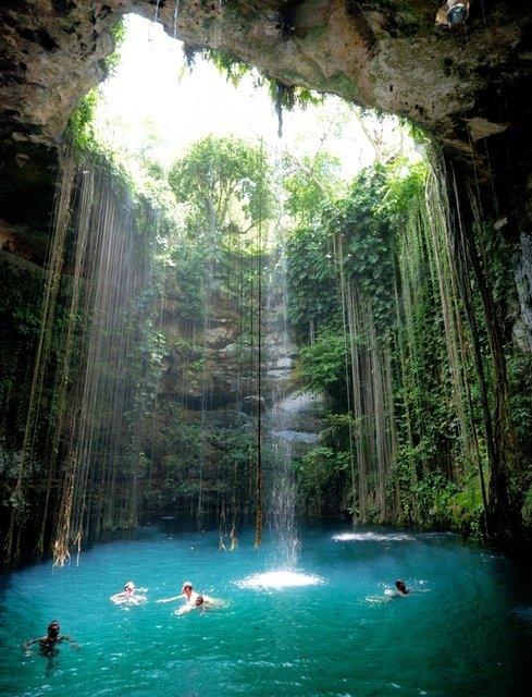 Cenote-Ik-Kil, Yucatan – Mexico