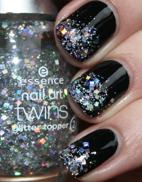 Black Nails w/ FGlitter Tips!