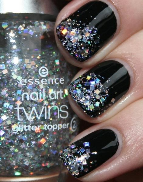 Black Nails w/ FGlitter Tips!