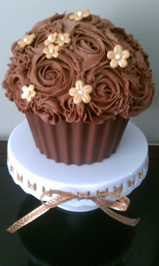 Chocolate giant cupcake with buttercream roses, gold ...