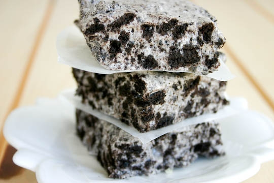 Chewy No-Bake Cookies & Cream Bars