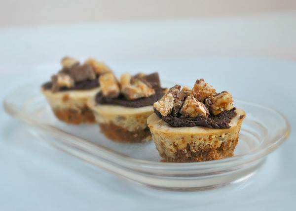 Mini Peanut Butter and Snickers Cheesecakes
