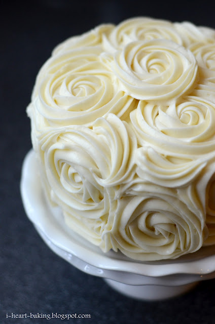Cake With Roses Buttercream : red velvet cake with cheesecake middle and cream cheese ...
