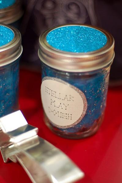 How to Make Glitter Playdough DIY