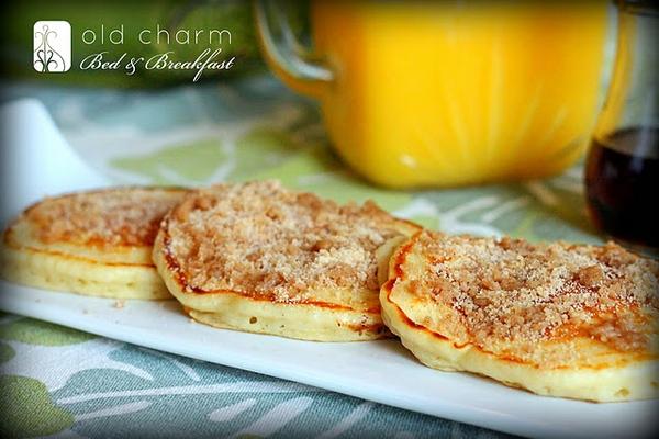 Cinnamon Streusel PancakesApplePins.com