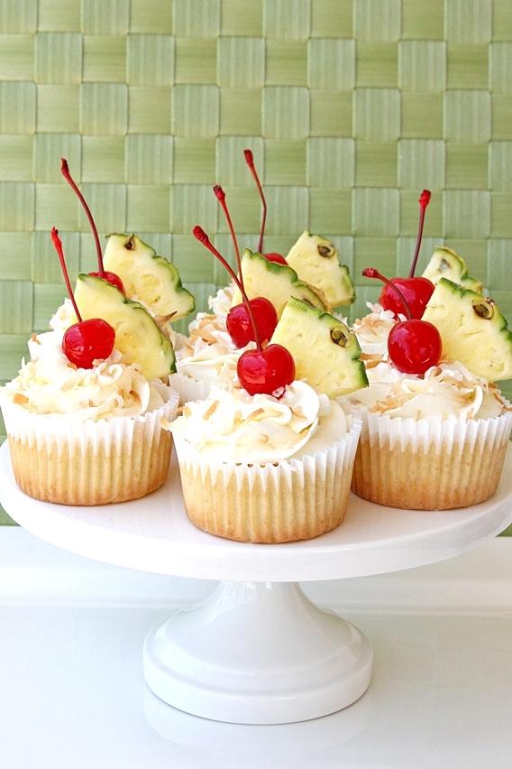 Pina Colada Cupcakes with Coconut Cream Cheese FrostingApplePins.com