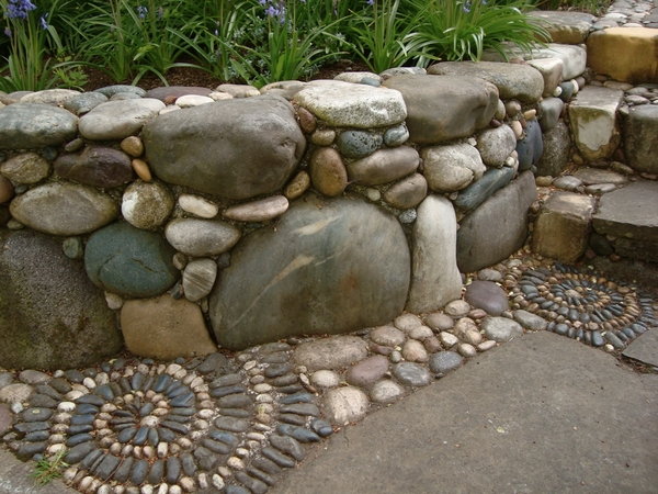 River rock retaining for How to build a river rock patio