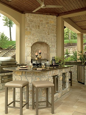 Texas limestone outdoor kitchen and bar