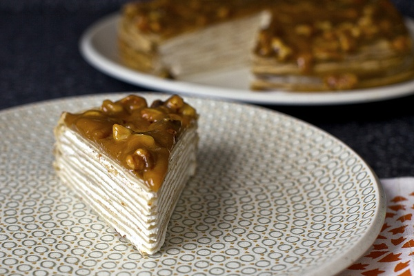 banana bread crepe cakeApplePins.com