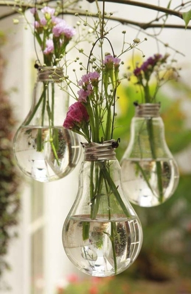 DIY Vases made from old lightbulbs!