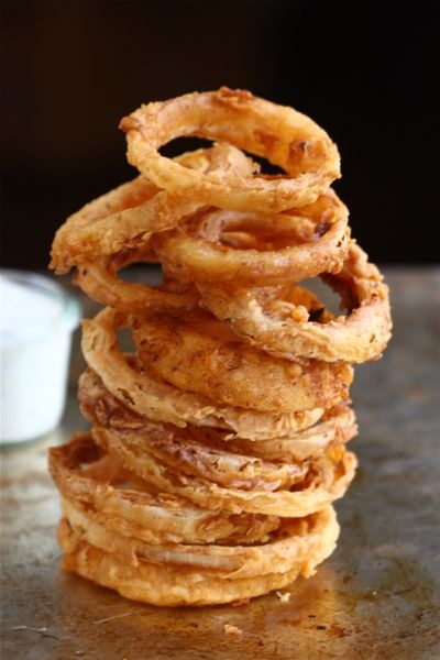 Spicy Buttermilk Onion Rings with Buttermilk Ranch DressingApplePins ...