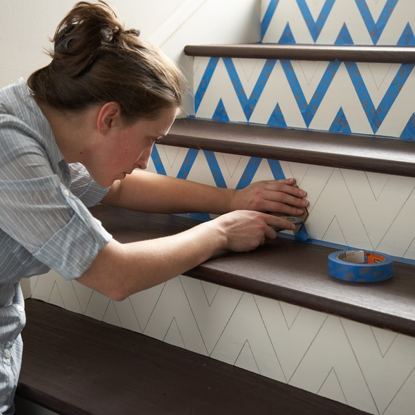 DIY: how to make a chevron pattern on stairs