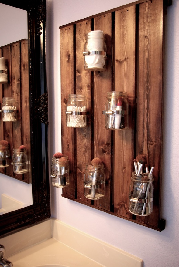 DIY mason jars and old wood planks. So cute! Must have!