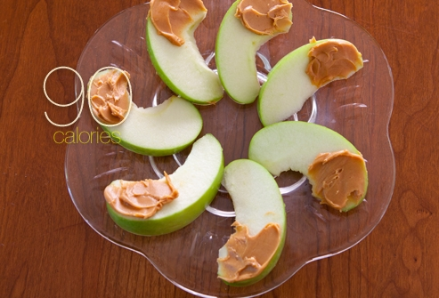 25 snacks that are a 100 calories or less…I want them all!