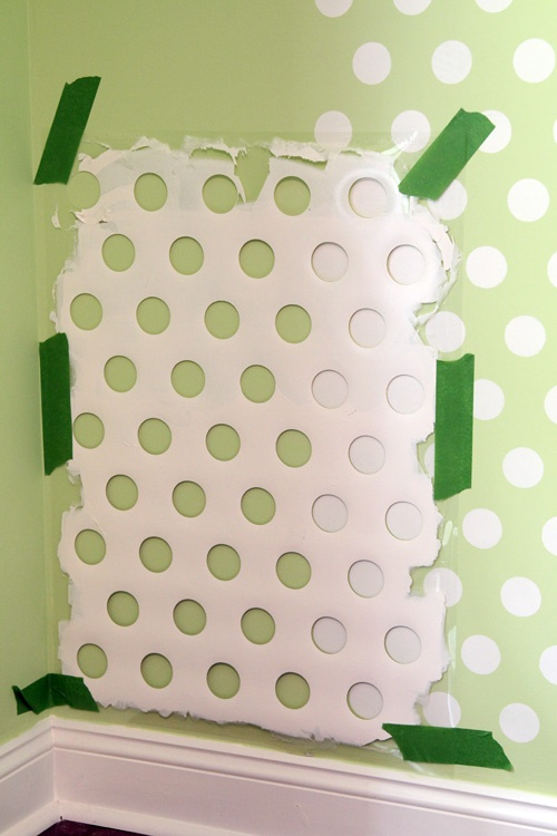old laundry basket? Polka dot walls!