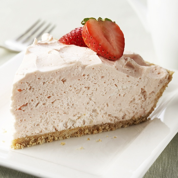 Easy no-bake Strawberry CheesecakeApplePins.com