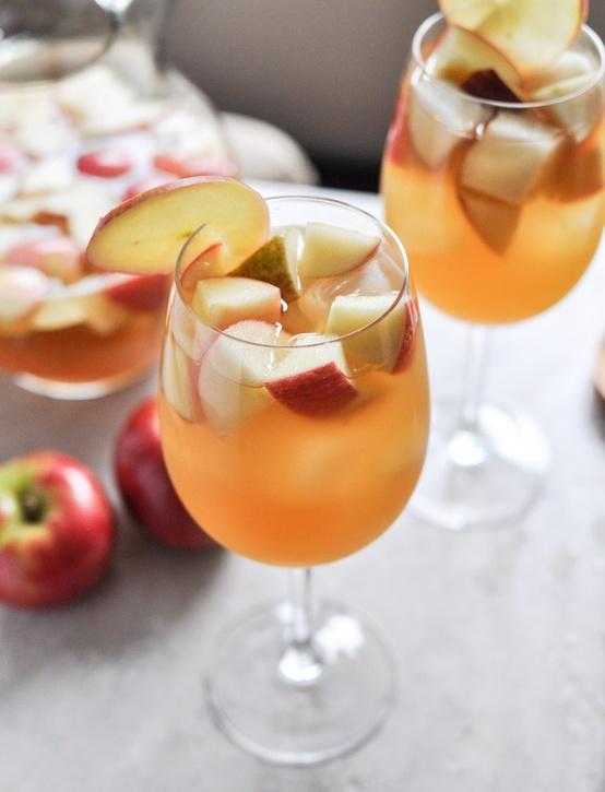 Apple cider sangria–thanksgiving drink?