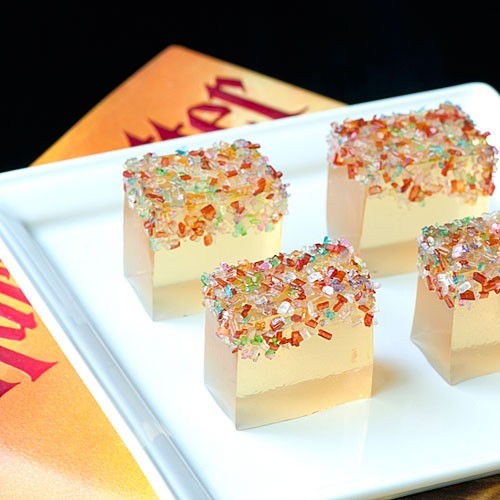 Champagne jello shots for new year's, with Pop Rocks! What a awesome idea!