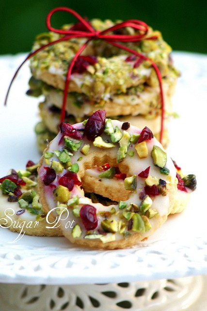 Lemon, Pistachio and Cranberry Wreath Cookies