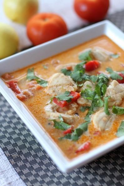 Moqueca de Peixe (Brazilian Fish Stew)ApplePins.com