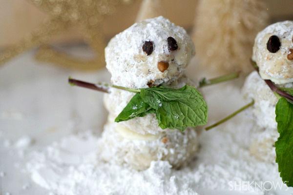 Adorable snowman tea cake cookies