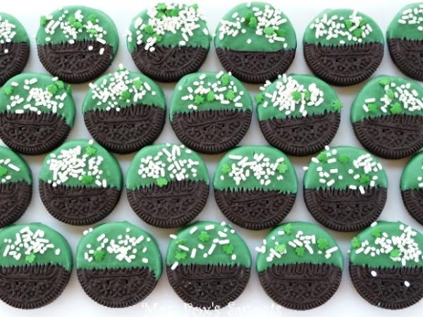 St. Patrick's Day Dipped Oreo's